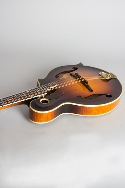 Monteleone  Grand Artist Carved Top Mandolin  (1982)
